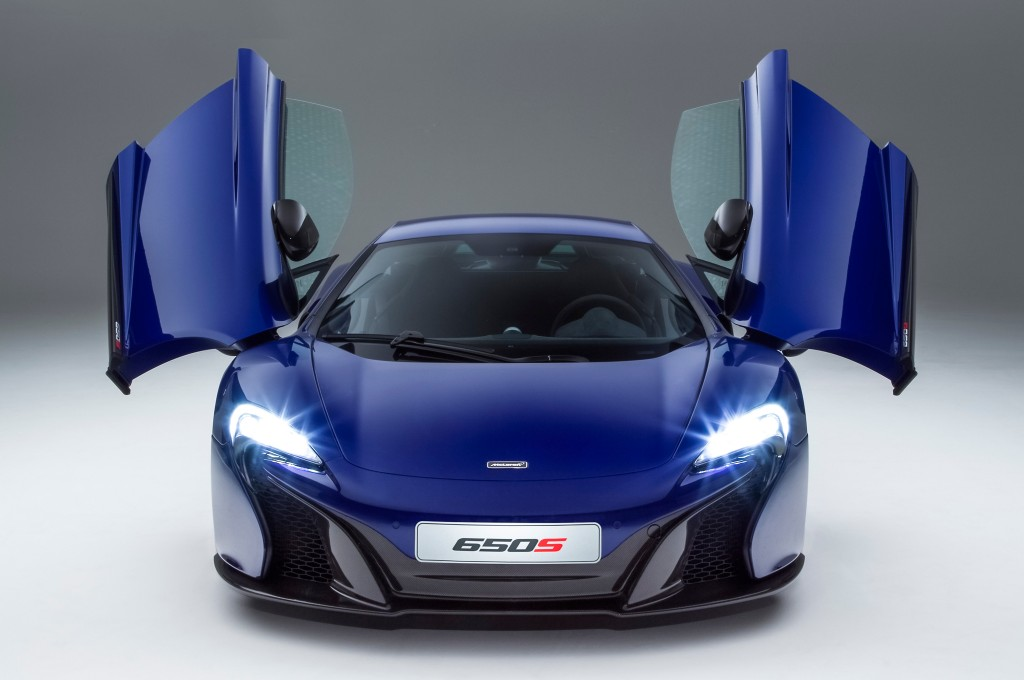 2015-mclaren-650s-cut-front-doors-up